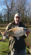 Jeff-Hirst-with-15lb-carp-from-the-Mere-